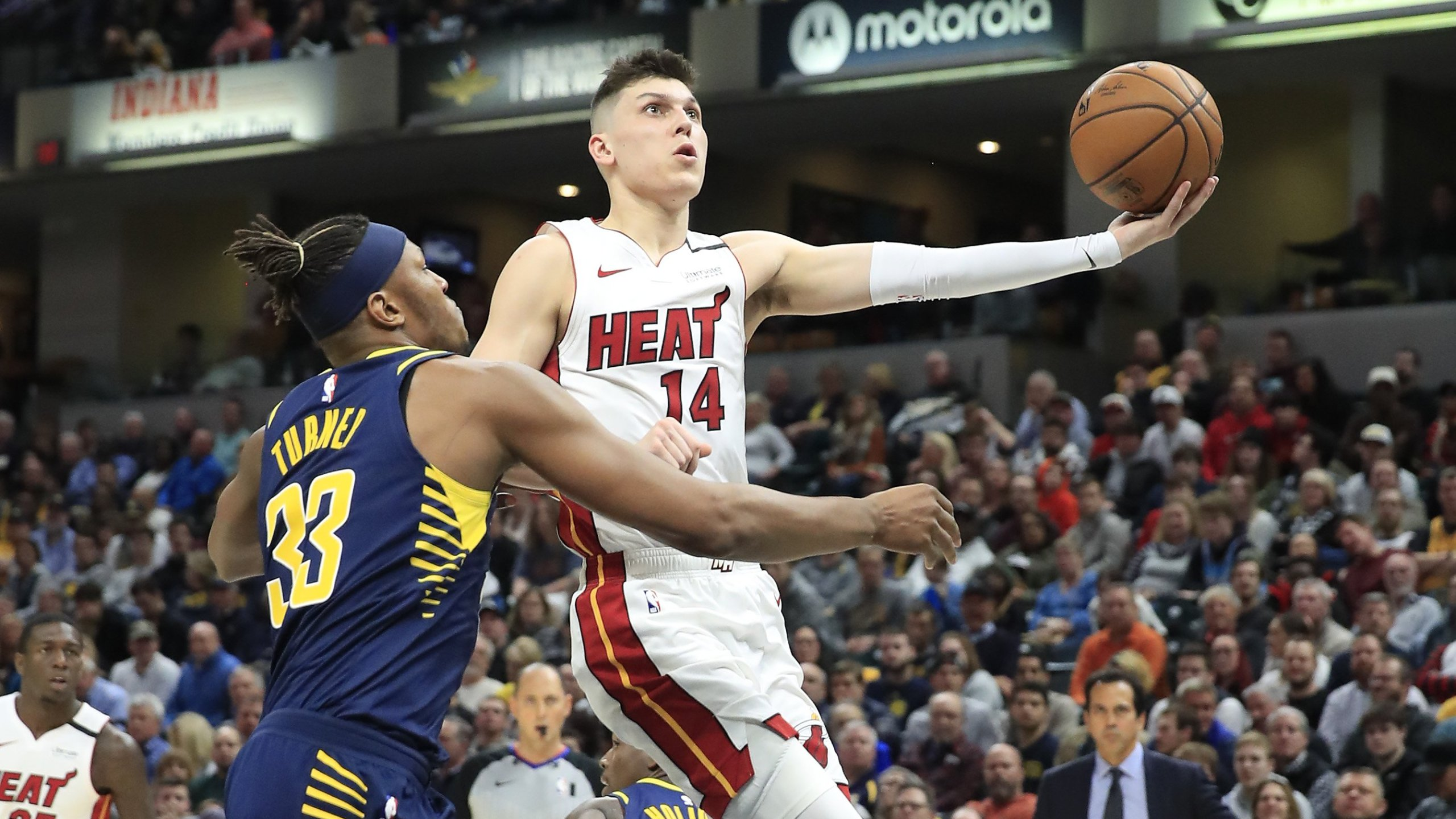 Herro Leads Heat Effort In 122 108 Victory Over Pacers Wttv Cbs4indy