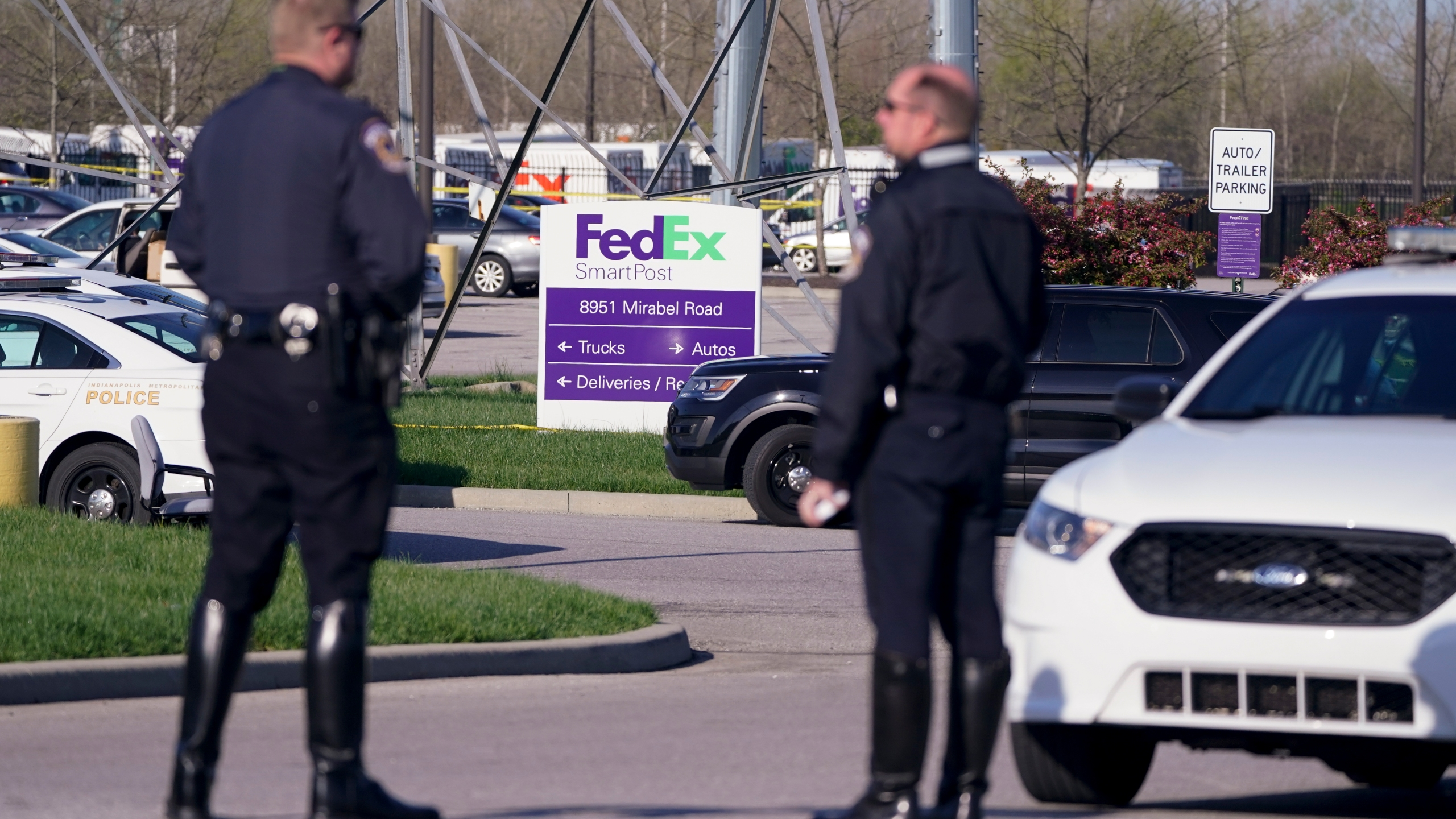Assault rifles used in FedEx shooting were legally purchased