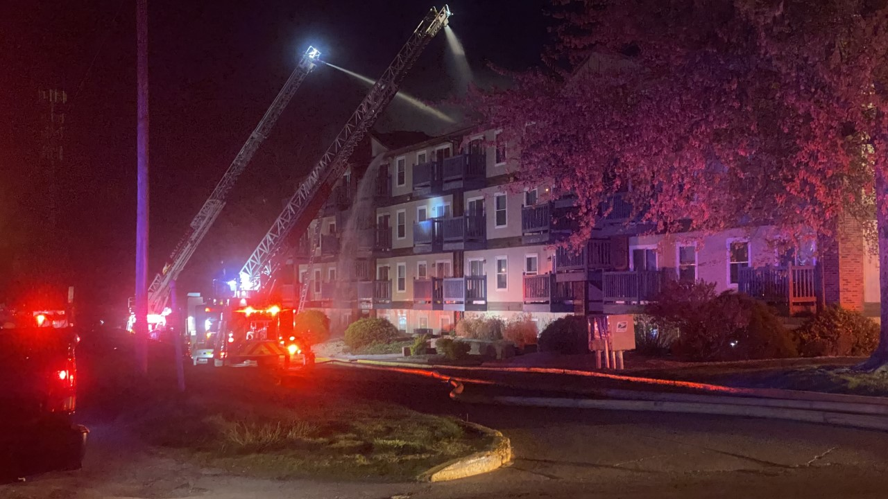 Ball State students displaced in Muncie, Indiana apartment building fire