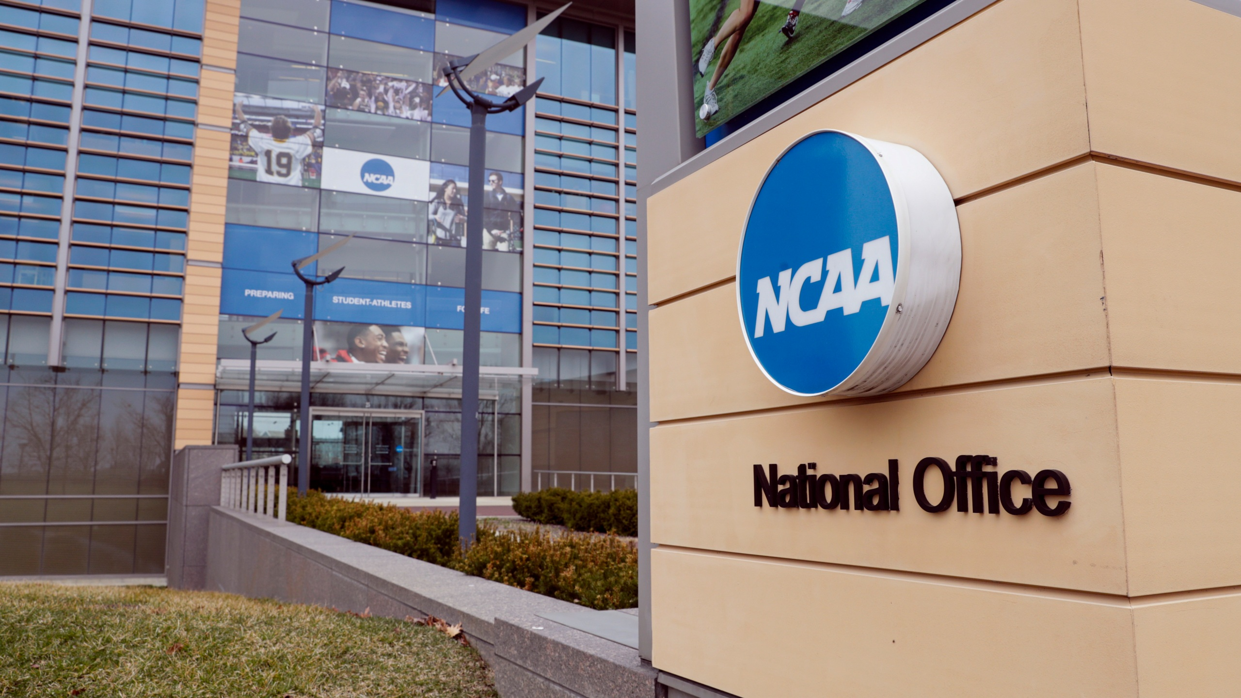 NCAA clears athletes for compensation
