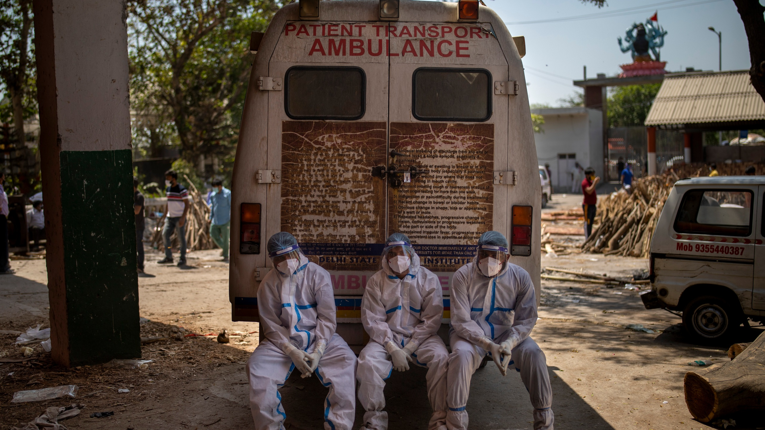 Global COVID-19 deaths hit 4 million amid rush to vaccinate