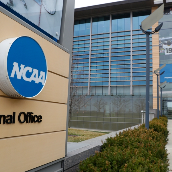 The NCAA Board of Governors called for a special constitutional convention in November to initiate dramatic reform in the governance of college sports that could be in place as soon as January.
