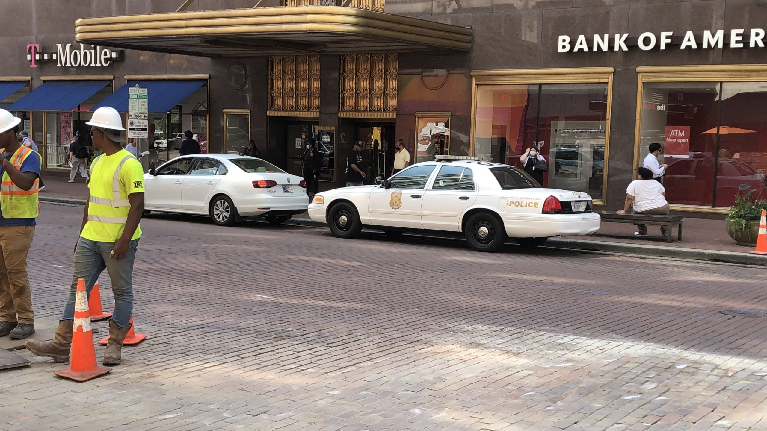 Downtown stabbing leaves 1 in critical condition
