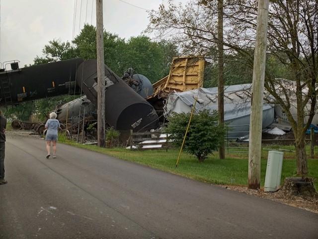 CSX train derails today en route to Avon